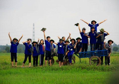 đặt áo thun nhóm tình nguyện mùa hè xanh