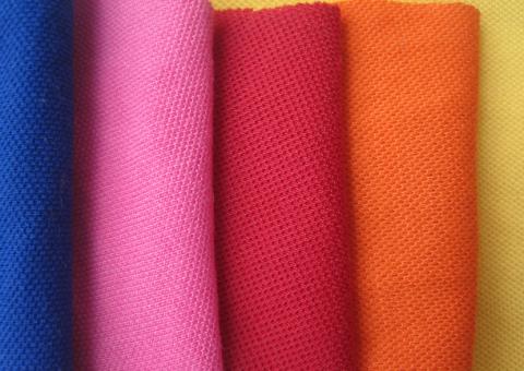 áo thun công ty nên chọn chất liệu vải gì phù hợp