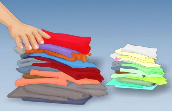 phân màu áo trước khi giặt
